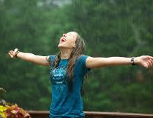 Hair Fall in Monsoon, One Of the Hectic Issue with Ladies Lovely Ornament