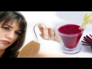 Beetroot juice and henna for clean dandruff